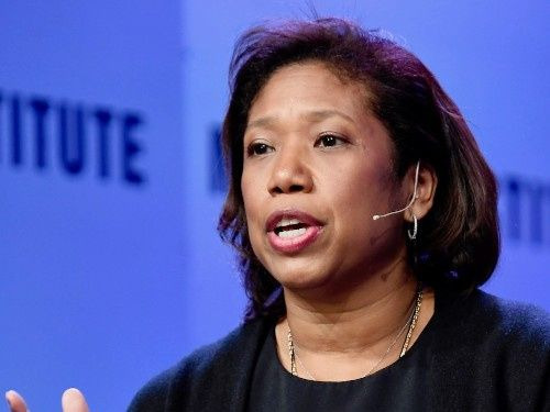 Photo of Kim Lew taking over as CEO at Columbia endowment