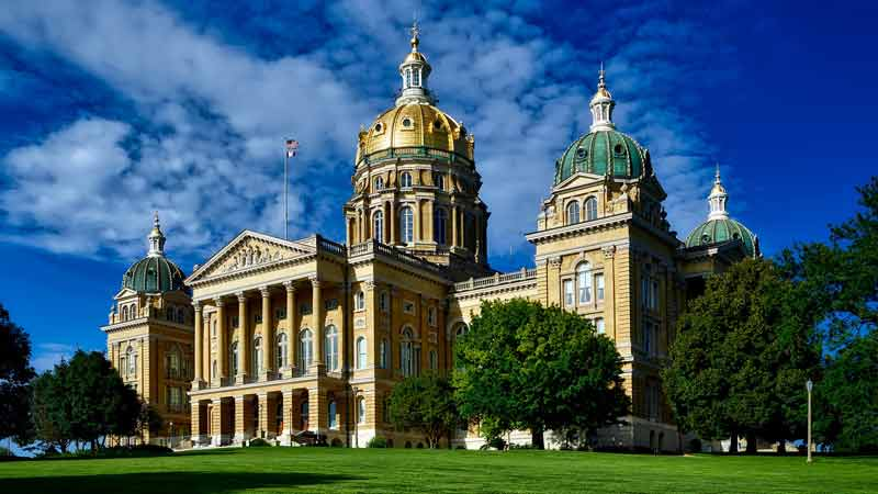 Iowa pension issues RFP for private credit, boosts alts exposure