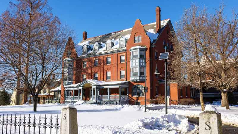 Smith College to begin CIO search as it moves assets in-house